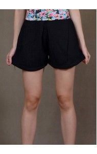 RS190807 Textured lantern shorts in black