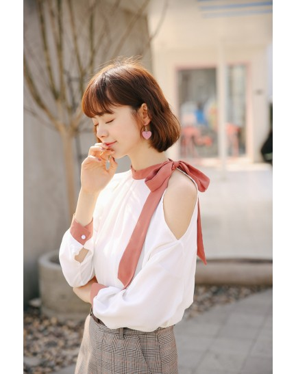 KTP07262403W Shoulder off halter shirt with bow REAL PHOTO